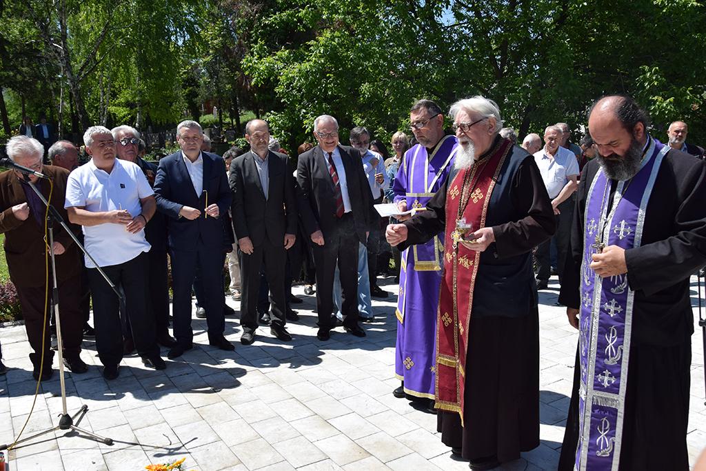 Photo of Одржан први парастос посвећен страдалим Србима Козаре и Поткозарја  у логору Земун 1942- 1944