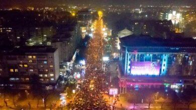 Photo of Литије вечерас: Бар 15.000 људи, Подгорица 40.000, Никшић 30.000, Беране 25.000…