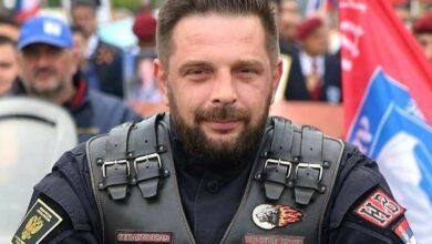 """Photo of Савић: Ово је срамота, """"Ноћни вукови"""" нису крадљивци светих реликвија"""