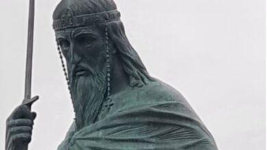 """Photo of """"Мач у руци погоднији од крста, Стефан Немања је створио српску државност"""": Руски вајар ексклузивно о споменику"""